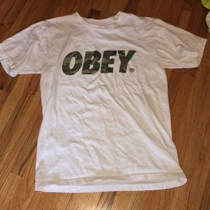 Men's small obey t-shirt